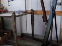 Cherry picker 100. large vise mounted on steel table