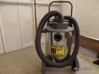Shop VAC Contractor Wet/Dry Vacuum with attachments for