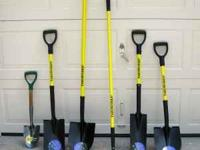 Choice of square-end or tile spade D-Handle shovels.