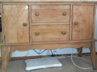 Type:FurnitureType:AntiquesRustic buffet that came from