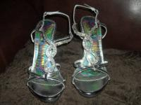 Hi I am selling some ladies size 7 1/2 beautiful silver