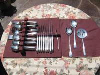 The aristocracy Plate 1937 Reverie 48 piece Silver
