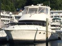 This 45' Silverton 2006 is in excellent condition.