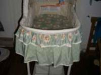 Here we have a very nice bassinet it looks new please
