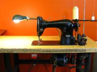 SINGER 95-10 Industrial Sewing Machine complete with