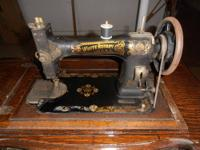 BEAUTIFUL LATE 1800'S SINGER SEWING MACHINE WITH SOLID