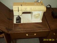 SINGER SOWING MACHINE,WORKS GOOD, GOOD SHAPE. $50