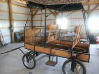 SINGLE HORSE WAGON/ CART WITH CUSHION SEATS AND TOPPER