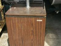 Wood Panel Single Tap Kegerator Holds 1/4 & 1/2 barrel