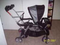 Selling a Sit and Stand Stroller in great condition.