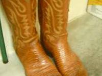 Great pair of size 11 lizard leather cowboy boots Sale