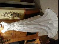 Beautiful white wedding dress, Size 2, beaded bodice,