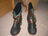 I have 2 pairs of children's snow boots size 5 & 6. The