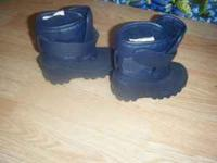 i have a pair of blue winter boots size 6 for sale for