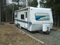 1995 27ft, self contained, sleeps 6,with 2 doors, full