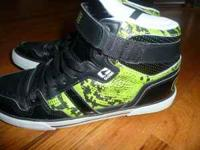 Size 11 1/2 Green & Black Globe Super Fly High Top