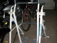 SKY GLIDER EXERCISE MACHINE. IN GREAT CONDITION