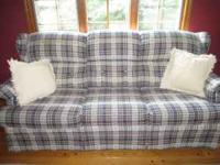 Lazy Boy Sleeper Sofa in excellent condition. Pull out