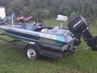 Selling a 1989 Sling Shot Bass boat.  Boat is in decent