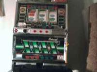 Slot machine in very good condition works with coin or