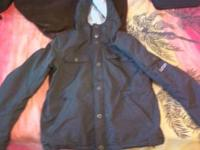 Hey guys, I'm selling a like new small Burton Jacket