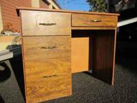 NICE WOOD FINISH SMALL DESK, 1 DRAWER ABOVE SEATING