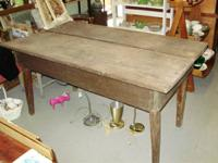 Little primitive ranch table. Rustic table seats 6 at