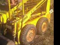Ford CL 20 loader. 20 HP gas engine, starts and runs