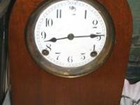 Small Vintage Wood Mantle Clock / Runs Great!!! Was: