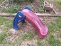 small toddler slide by little tikes. folds for easy