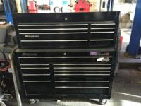 This is a snap on tool box thats in great condition.