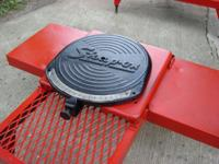 Snap-On TIRE ALIGNMENT STANDS, delightfully shape, to