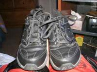 new balance sneakers all black size 7 1/2 in good