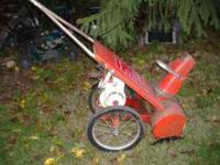 LazYBoy Snow Blower steel auger 3hp. Briggs 4 cycle