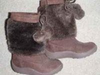 Brown Winter Snow Boots Girls, Size 8 Worn 2 times last