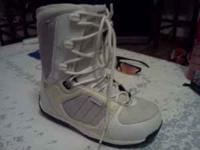 Newer in box, used. Morrow, size 8 fits 7 better. email