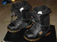 DC Scout Boa snowboard boots (size 7) in great