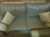 I want 2 cell a 7seater sofa in excellent condition