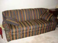Like New and rarely used Thomasville Living Room Sofa