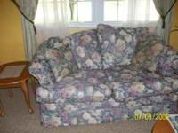 Sofa and Love Seat Set. Floral pattern. Excellent