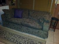 StoreHouse furniture couch/sofa. Very good condition,