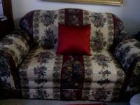 Type:Living RoomType:SofasBEAUTIFUL COUCH FOR SALE WITH