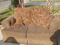 Im selling these really nice sofas for 120, the leg on