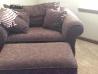 Type:Living RoomType:Sofas Sofa with matching chair and