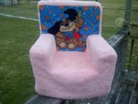DOG SOFT CHAIR $10.00 PINK IN COLOR  SPIDERMAN SOFT
