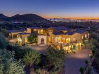 Perched on over an acre in Sonoran Highlands, this soft