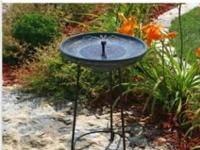 Somerset Solar powered birdbath Retails for $125 New in