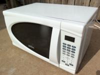Excellent - Microwave, White, Small, 18-In. Wide