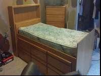 solid oak bed with 3 deep drawersgood condition