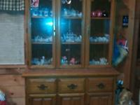Very good condition! Solid oak! Good for displaying